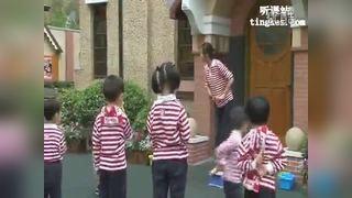 幼儿教育示范课燕子飞飞教学视频点评视频向芸华多元融合幼儿园活动课程研讨会视频