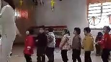 幼儿园大班音乐优质课展示《集体舞——快乐自泸湖人》课堂实录