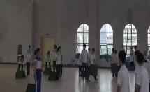 初中体育《立定跳远落地动作方法与游戏》教学视频,吕江俐