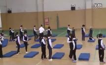 小学五年级体育《前滚翻成直腿坐接肩肘倒立(第一课时)》教学视频,2014年优质课