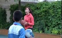 小学体育与健康三年级《篮球:行进间运球》(小学体育与健康优秀课例教学实录视频)