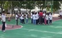 小学六年级体育《篮球行进间运球》(小学体育名师工作室优秀课例示范教学实录)