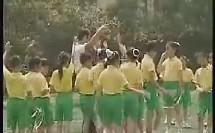持轻物掷远-掷和跑的综合(上海市小学体育优质课视频大赛各区第一名获奖课例教学实录视频)