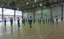 六年级体育田径《跳跃-跨越式跳高的动作方法》优秀教学视频