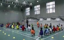 一年级体育足球技术《脚内侧运球》优质课教学视频-自治区同频互动课教研活动