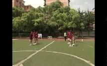 五年级体育《下压式传接棒》接力跑教学视频
