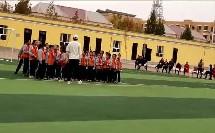 三年级上册体育与健康《原地投掷垒球》(小学体育与健康县级公开示范课)