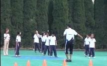 小学一年级体育上册《模仿动物的走和跑》教学视频