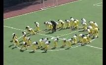 小学一年级体育上册《不同步幅的走和跑》教学视频