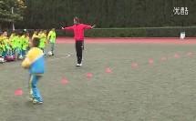 小学体育《足球-控制球》教学视频,郭涛