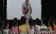 幼儿中班美术《多彩的纸巾》教学视频