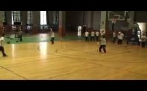 初中八年级体育《篮球持球交叉步突破》(初中体育名师工作室优秀课例示范教学实录)