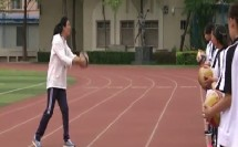 排球正面双手垫球 吴晓丽
