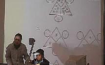 小学一年级数学优质课展示《玩数图——计算三角》 _魏萍