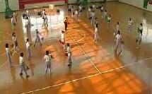 小学体育《技巧—肩肘倒立经单肩后滚翻》教学视频