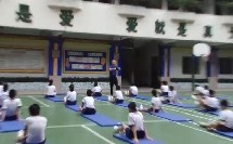 人教版体育与健康五至六年级 技巧——肩肘倒立 教学视频,获奖课视频