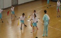 人教版体育与健康三至四年级 武术:刀术完整组合动作练习 教学视频,获奖课视频