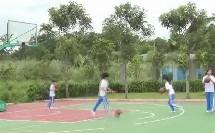 《篮球行进间体前变向运球》优质课(人教版初一体育与健康,海口市县级优课)