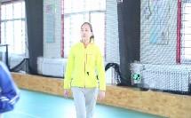 《篮球行进间体前变向换手运球》优质课(人教版初一体育与健康,哈斯)
