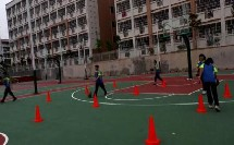 《篮球行进间体前变向》优质课(人教版初一体育与健康,林子龙)