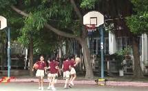《篮球原地双手胸前投篮》优质课(科学版四年级体育,贾雪莹)