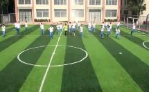 人教版高中体育与健康《足球前额侧面跳起头顶球》(高中体育与健康教师参赛获奖课例教学视频)