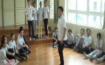 人音版初中音乐(简谱)八年级下册《A大调(鳟鱼)钢琴五重奏(第四乐章)》获奖课教学视频