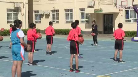 人教版小学体育与健康四年级(水平二)《原地双手胸前投篮》天津市优课