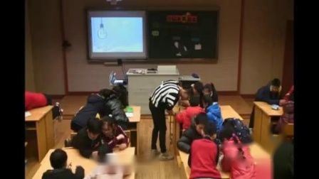 小学五年级综合实践活动课安全使用与维护家用电器《让灯泡亮起来》《环保小台灯的制作》第一课时-浙江省 - 湖州