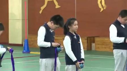 """小学四年级体育-""""双手向前投掷实心球""""上海"""