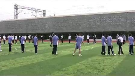 七年级体育优质课展示《迎面接力跑》沈老师