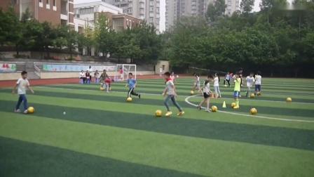 《脚内侧运球》小学体育与健康人教版-重庆市沙坪坝区名校联合外语小学校