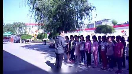 《队列队形:二列横队与四路纵队互变》课堂实录-科学版小学体育三年级第二学期