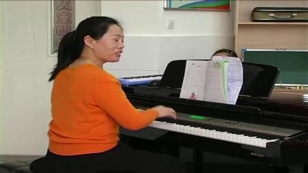 《小步舞曲》课堂实录-湘文艺版小学音乐三年级下册